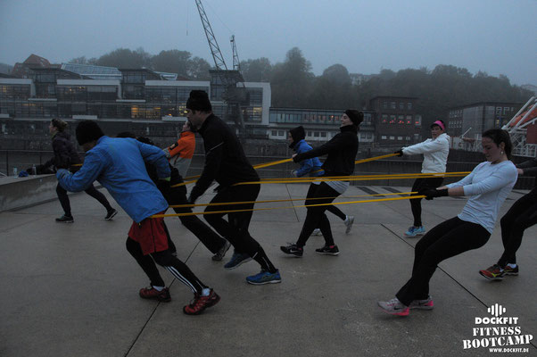Bootcamp Hamburg Dockfit Outdoor Training Altona Team Halloween Spezial