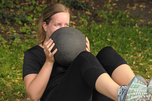 dockfit altona fitness Personal-Trainer bootcamp hamburg training fitnessexperten hamburg dockland battle ropes outdoor training sat1
