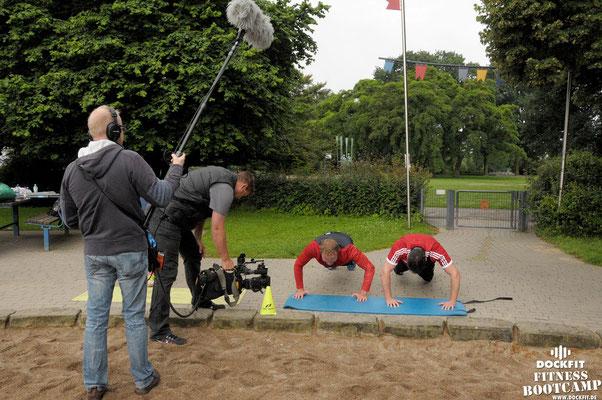 dockfit altona fitness bootcamp hamburg training fitnessexperten hamburg dockland battle ropes outdoor training sat1