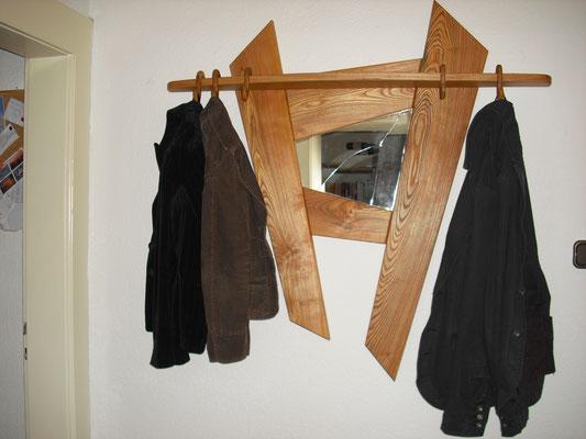 Garderobe. So organisieren Sie Ihre Kleidung.
