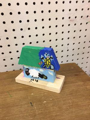 木のお家(メンバーのお孫さんの作品)