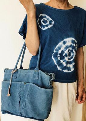 藍染めのTシャツ・バッグ(ミサンガも草木染め)