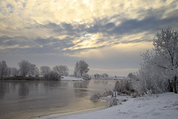 Winterabend an der Eider bei Bargen 0117