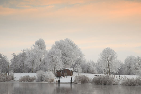 Winter am Fähranleger Bargen 0116