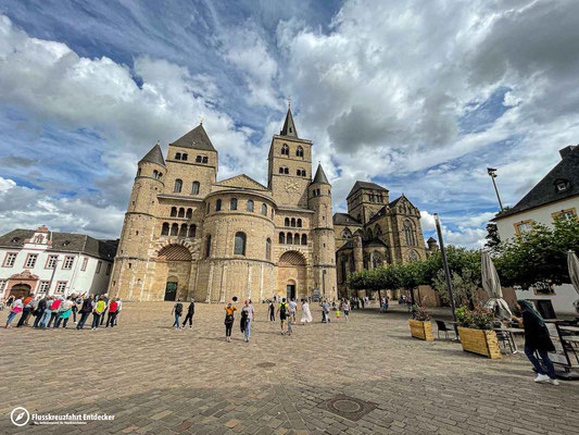 Trierer Domplatz