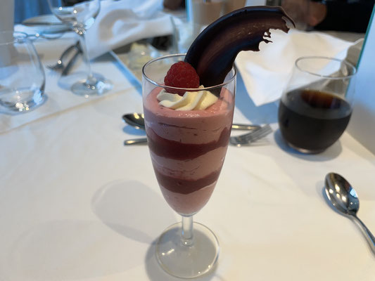 Nachspeise: Himbeer-Mousse