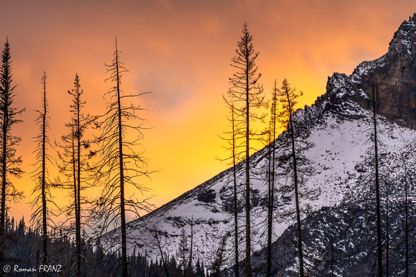 sunset on the edge of the Medicine Lake Slabs,
