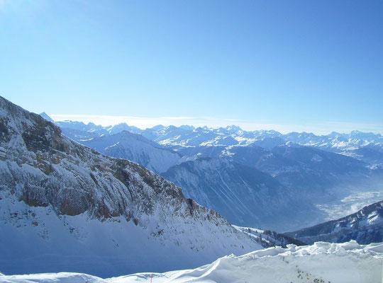 Blick auf die Alpen vom Torrent