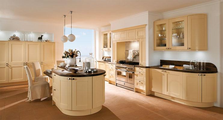 Details wie die Arbeitsplatte, hochwertige Elektrogeräte und andere Rafinessen machen den Unterscheid einer Luxusküche aus!