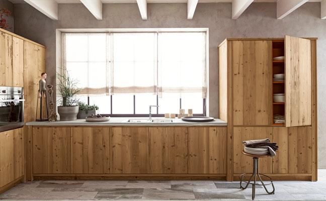 Wir passend die Küche perfekt an Ihre Raumgegebenheiten an. Ob Fenster, Heizung oder Dachschrägen - wir berücksichtigen solche Details bereits bei der Planung.