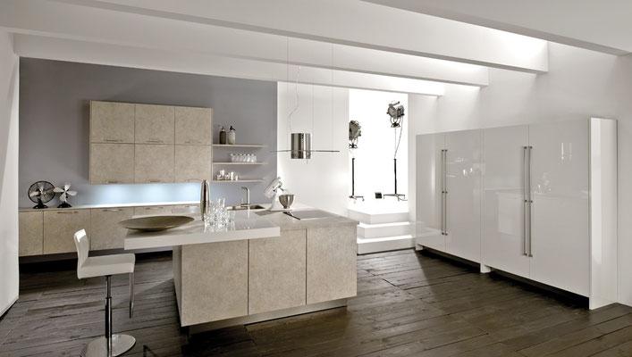 moderne Küche mit Betonfronten in beige
