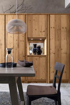 Passend dazu: Tisch und Stühle aus Massivholz