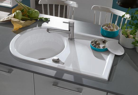 Villeroy & Boch, weiße Kombispüle: rundes Becken mit Ablauffläche