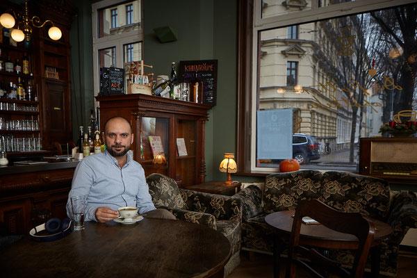 Yamen Hussein, Dichter & Journalist