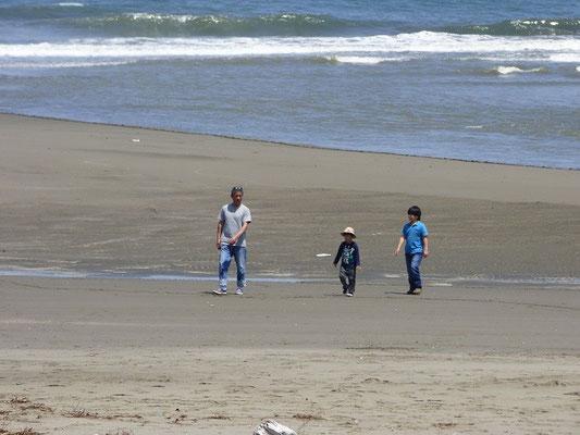 ちびっ子たちも沢山浜で遊びましたね(^_^)/