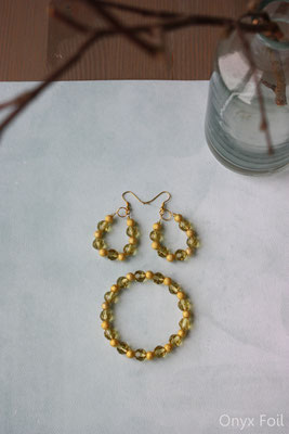 """Sparkling gold"" jewelry set"