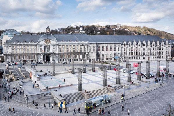Liège, Vue actuelle de la place de l'ancienne cathédrale / Abbeville, Musée Boucher-de-Perthes