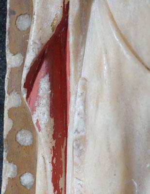 Apôtre, détail de la polychromie, cape et fond