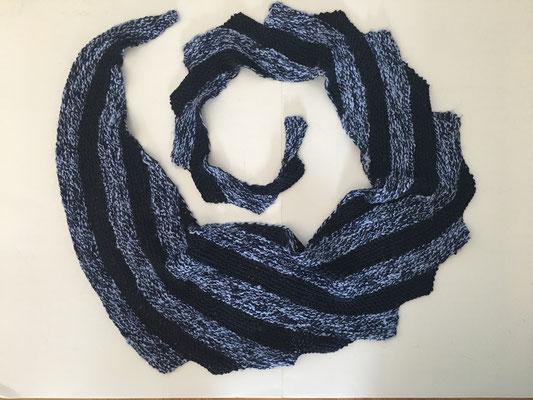 Zackenschal aus handgesponnener Viskose und Alino (Leinen/Baumwolle) aus meinem Shop.