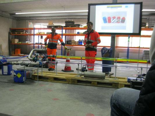 Markus Kuster und Ueli Wehrli präsentieren die Demo