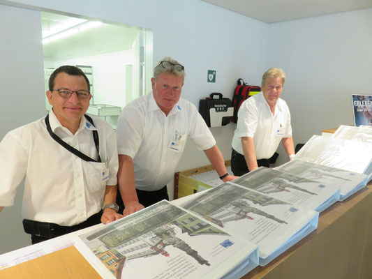Leo Zberg, Roland Schild und Arthur Tobler vom SBV Vorstand beim Empfang