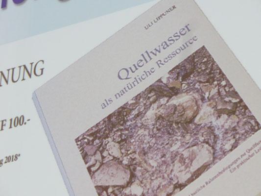Das Druckfrische Buch  über Quellwasser von Uli LIppuner