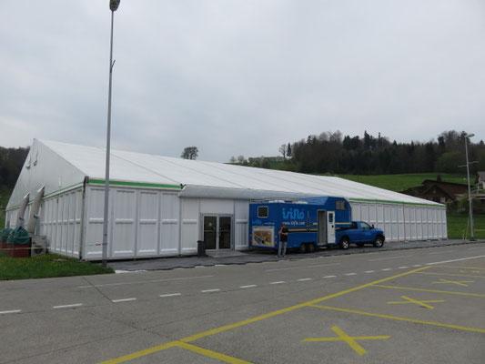 Unser Zelt mit der Ausstellung mit 57 Firmen