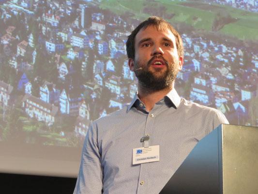 Christian Rentsch referiert über IT-Sicherheit