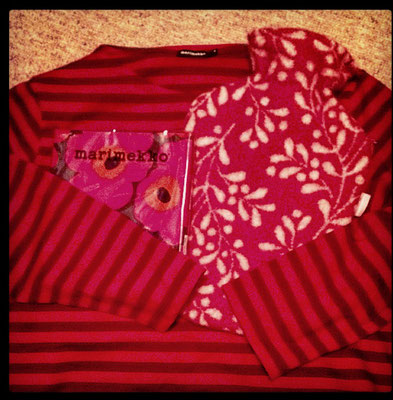 Shirt und Servietten Marimekko und Bettflasche Lapuan Kankurit