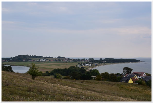 Blick von den Klein-Zickerschen Hügeln zurück nach Thiessow.