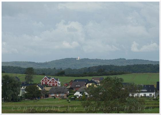 Blick vom Schafberg bis zum Jagdschloss Granitz.