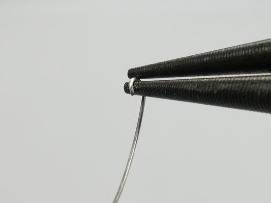 Pivoter le poignet pour former une boucle