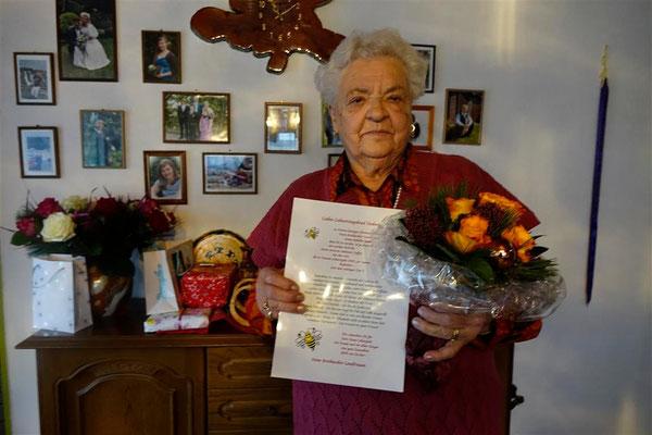 Hedwig Bingold ist 85 geworden - Glückwunsch