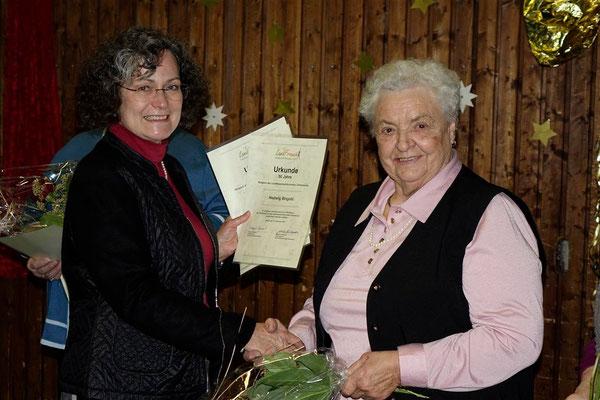Gratulation an Hedwig Bingold zu 50 Jahren landFrau