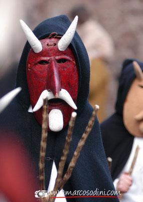 Sfilata delle maschere tradizionali della Sardegna