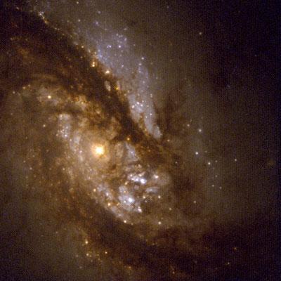 la partie centrale par le télescope spatial Hubble
