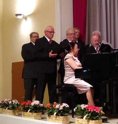 MGV Sänger - 1. Tenor mit Jennifer Möbus am Klavier