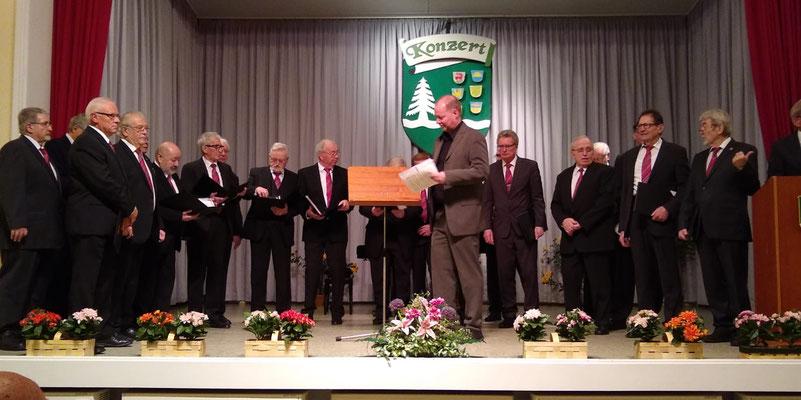 MGV Bermbach mit Chorleiter Hans- Joachim Schlaud