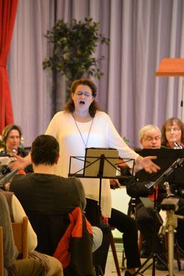 """ Vilja Lied""  Solo von Sopranistin Frau Bärbel Mende"
