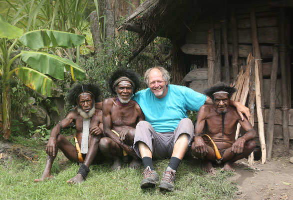 Beim Stamm der Dani - südlich von Wamena im Hochland von Neuguinea