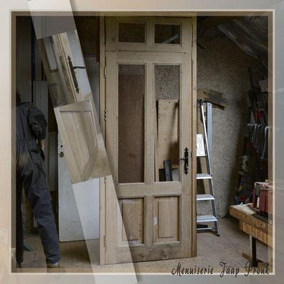 Op maat gemaakt kozijn met op maat gemaakte voordeur met  passend  met bovenlicht