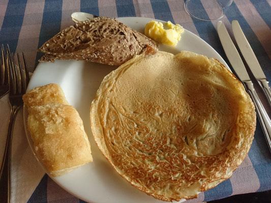 Het heerlijke ontbijt, transvetten en pannenkoeken:)