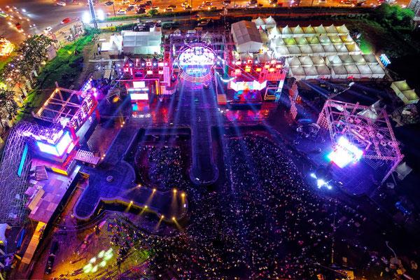 Event, Festival, Musik, Kino, Video, Konzert, Rockkonzert, Disko, Kirmes, Party, Holzapfel, Filmmanufaktur, Luftaufnahme, Drohne,