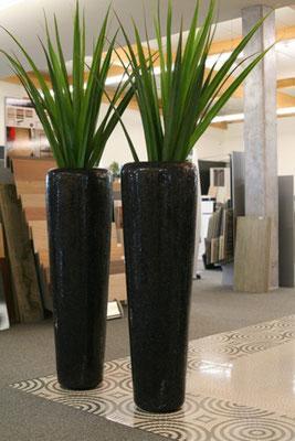 Große, elegante, schwarze Glitzervase mit Glassteinchen mit erhältlich bei Firma Fliesen Böser