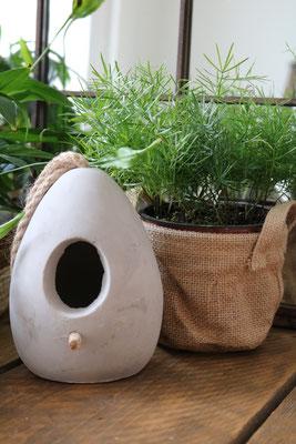 Jute mandje gekocht bij tuincentrum Aralia