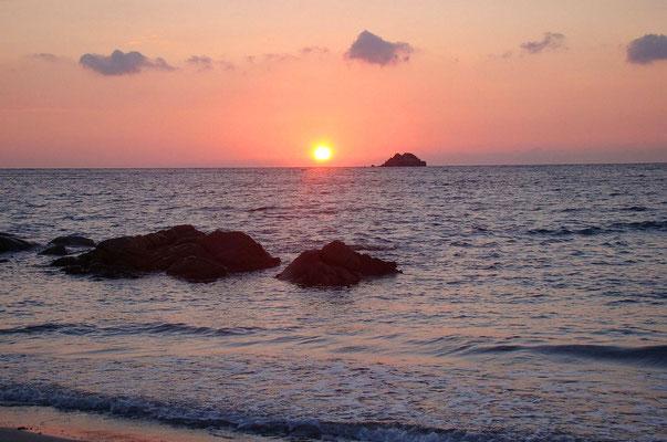 Lever de soleil plage de Pinarellu
