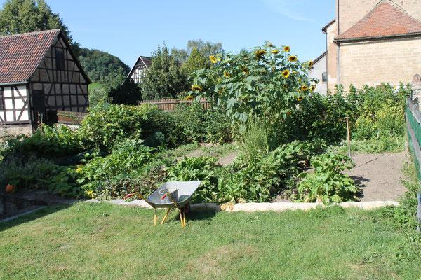 Arbeit im Bauerngarten