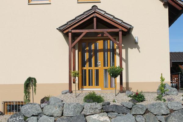 Schön gestalteter Hauseingang