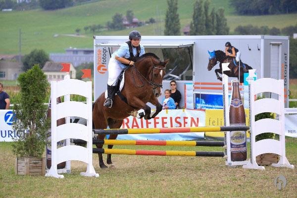 Hypona Cup Worb 2016 - Foto: Horsefotograf.ch