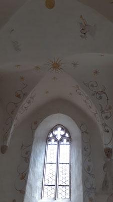 Ausschnitt Kreuzgratgewölbe und Fenster